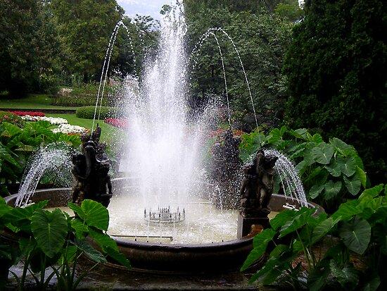 Cherubs Fountain by sstarlightss