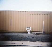 portable toilet by zen107