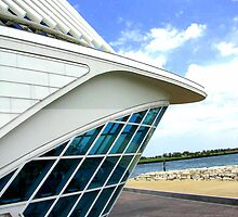 Milwaukee Art Museum by Ronee van Deemter