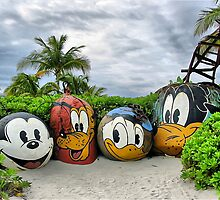 Disney on beach by terrebo