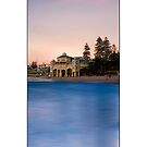 Cottesloe Vertical by Kirk  Hille