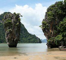 The James Bond Island by Alexeiz