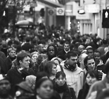 Oxford St London Boxing Day 2004 by Mark Sanders