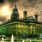Leeds Town Hall  by m4rtys