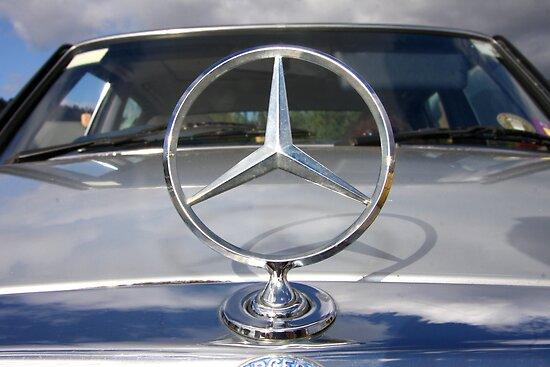 Mercedes Benz by fotosports