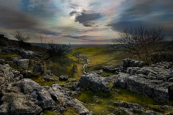 Malham Cove - Yorkshire Dales by eddiej