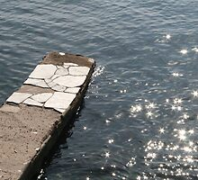 Water and the old jetty by erwina