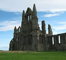 Whitby Abbey by blueclover