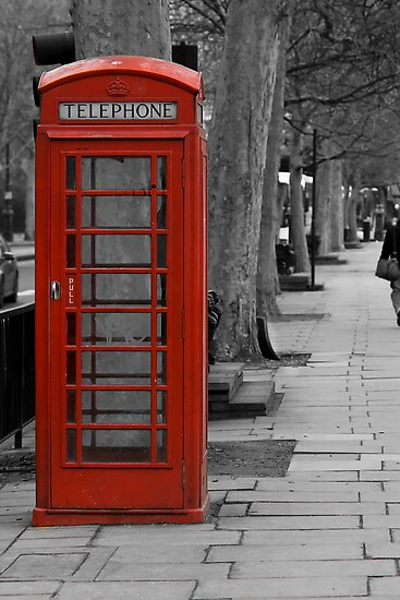London red by Ashley Crombet-Beolens