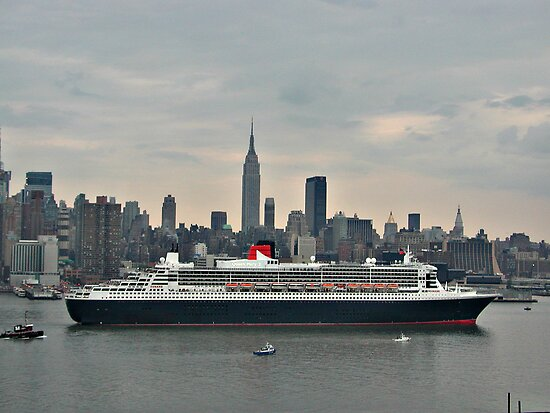 Queen Mary 2 by TerrieK