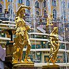 The fountains of Peterhof by eddiechui