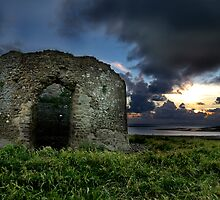 Instow Lookout Tower by Robert Kendall