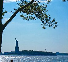 The Statue of Liberty by MeBoRe