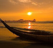 Sunset, Huanchaco, Trujillo, Peru by juan jose Gabaldon