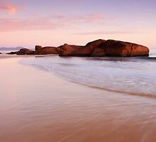 South West Rocks by Gareth Bowell