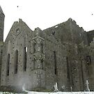 Rock of Cashel with snow by pablotguerrero