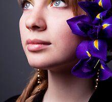 Hypnotize iris by Aleksandra Navetnaya