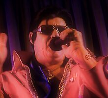 Canberra Elvis - Pink Light- mcu - Singing  by tmac