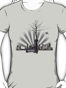 d e c o n s t r u c t i o n T-Shirt