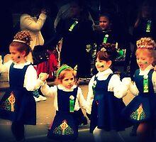 little dancers by lizwaltzes