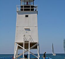 Charlevoix South Pierhead by photobear