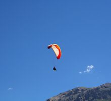 parapente flying man by alixlune
