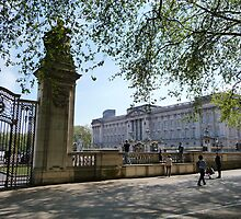 The Queen's London Residence by Braedene
