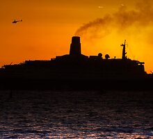 QE2 Sunset by Nigel Donald