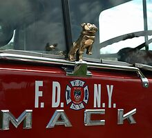 1971 Fire Truck Mack CF-600 FD NYC by TeeMack