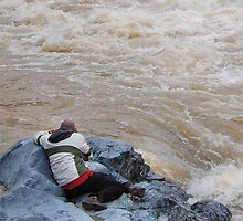 Cat's Capture along the raging Yuba River 5 {{NOT MY PHOTOGRAPHY}} by Lenny La Rue, IPA