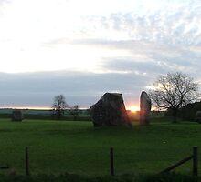 Sunrise Avebury May 2008 by Skeee