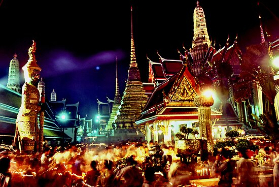 The extraordinary Wat Phra Keow, Bangkok by John Spies