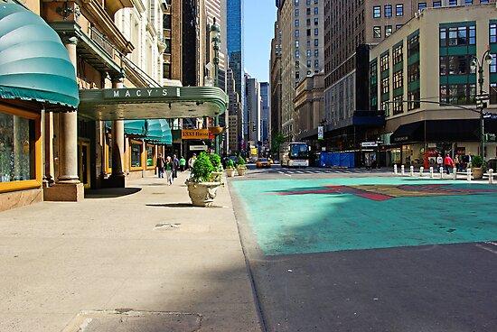 Weekend on Broadway Avenue in Manhattan, New York  by Zal Lazkowicz