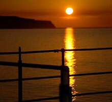 Sunset from Whitby Pier. tonight. by dougie1