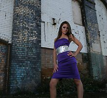 Long legs in great location Roxi  by 8oss