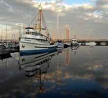 F/V Pioneer ~ Port Townsend Marina ~ by lanebrain photography