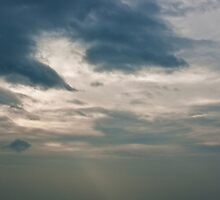 Cloud Disperse by seanlixiangyu
