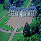 Chateau  de  Cheverny  , FRANCE by yoshiaki nagashima