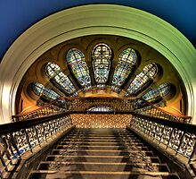 Stepping Down - QVB ,Sydney - The HDR Experience by Philip Johnson