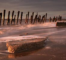 First Light At The Spurn by SteveMG