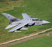 Tornado GR4 Pass by Richard Hanley www.scotland-postcards.com