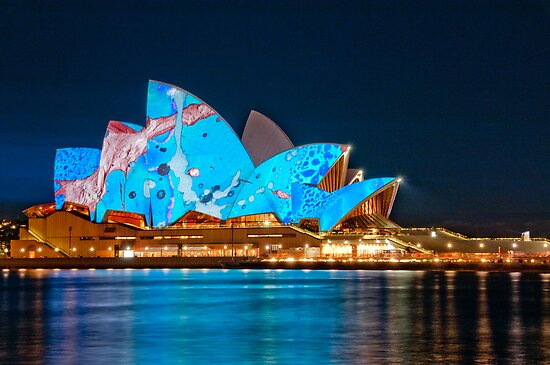 Vivid Opera House from Circular Quay by Erik Schlogl