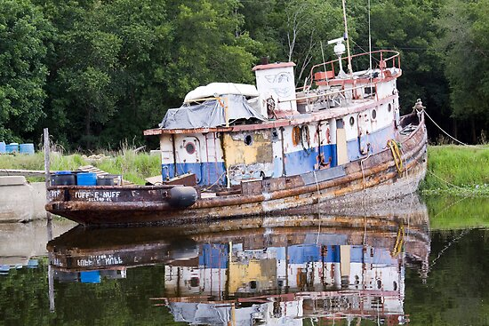 ol rusted tug by Ted Petrovits