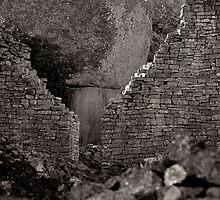 Zimbabwe Ruins by Chongatoka