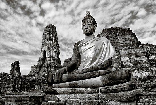 Ayutthaya Sitting Buddha 2.0 by Nicholas Richardson