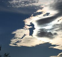 Iridescent clouds  by Australis