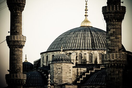 Blue Mosque in Istanbul by Chinua Ford