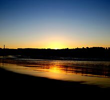Bondi Sunrise by fennellio