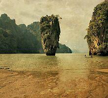 James Bond island  by paulgrand