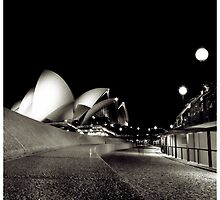 The diva loves Opera House by Melinda Kerr